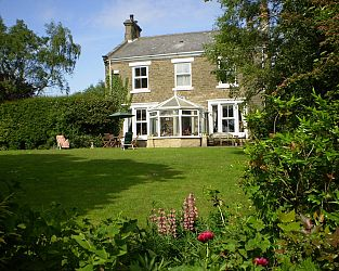 Dowfold House Bed & Breakfast B&B