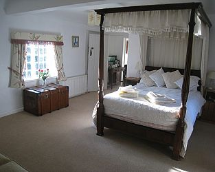 Newton Farmhouse Bed and breakfast
